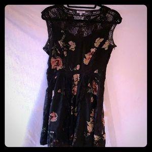 Buffalo David Britton black floral lace dress